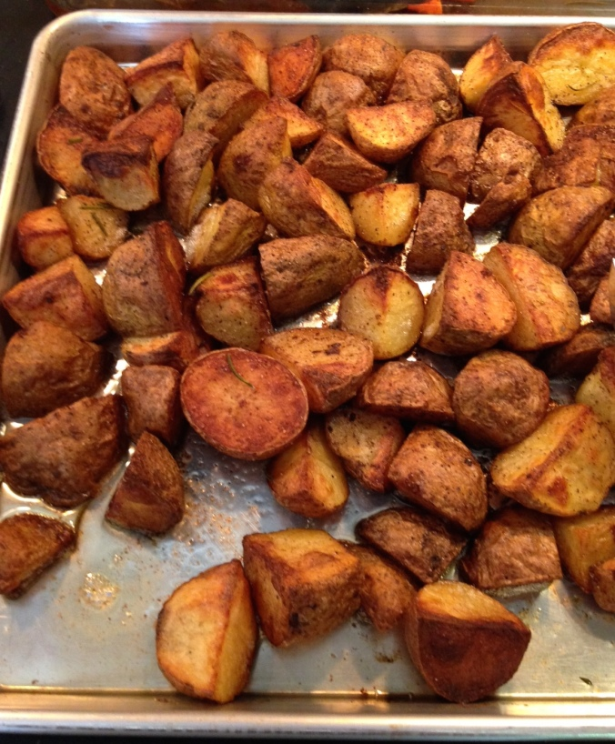 Roasted potatoes with thyme and rosemary
